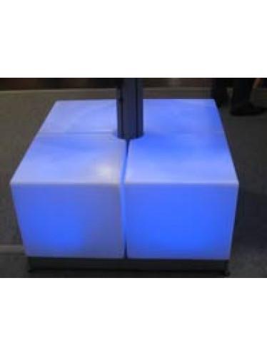Kubus voor tegelvoet prostor 90x90cm met LED verlichting (per 4 stuks) € 600